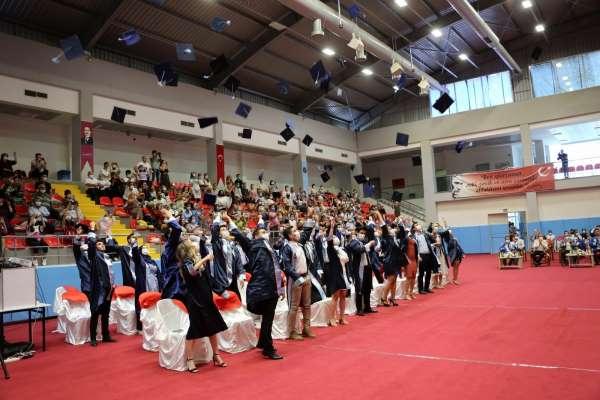 Akdeniz Üniversitesinin diş hekimleri mezun oldu