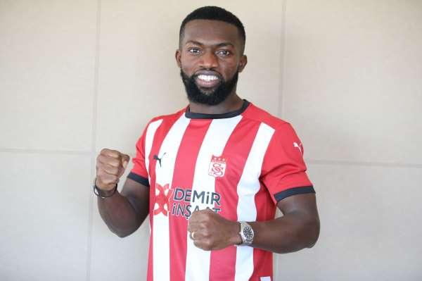 Azubuike Okechukwu resmen Sivassporda