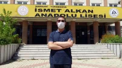 Aksaraylı öğretmen Yüksekovalı öğrencileri üniversiteli yapıyor