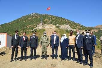 Şemdinli'de şehit düşen güvenlik güçleri anısına anıt yapıldı