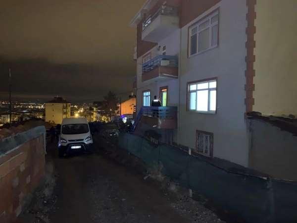 Ankara'da genç kadın, iki aylık bebeğinin yanında bıçaklanarak öldürülmüş olarak