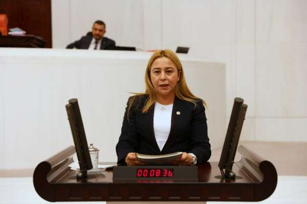 Milletvekili Esin Kara, çiftçinin Tarım Kredi'ye borçlarını sordu
