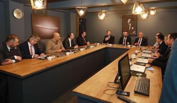 Türkiye'nin stratejik ve jeopolitik konumu Atatürk Üniversitesi'nde konuşuldu