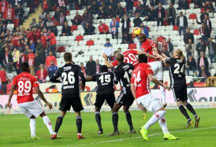 Spor Toto Süper Lig: Antalyaspor: 2 - Beşiktaş: 6 (Maç sonucu)