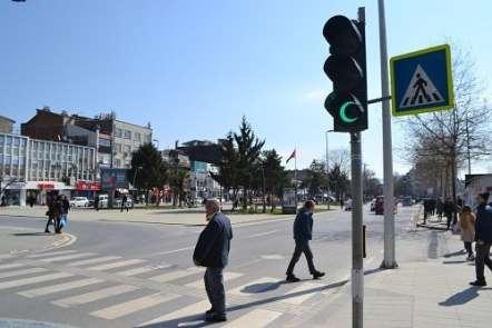 Sakarya'daki trafik lambaları 'Hilal' şeklini aldı