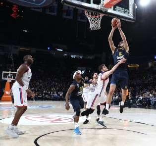 Tahincioğlu Basketbol Süper Ligi: Anadolu Efes: 67 - Fenerbahçe Beko: 65
