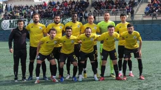 Lider Foça Belediyespor, Özçamdibi Spor engelini 4 golle aştı