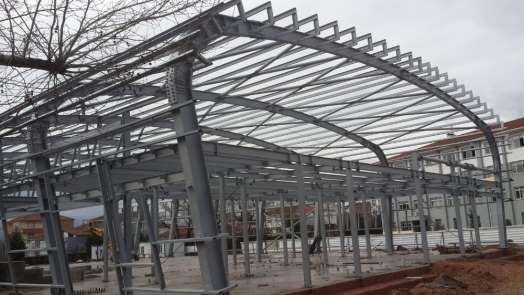 Orhangazi Spor Salonu'nda çalışmalar sürüyor