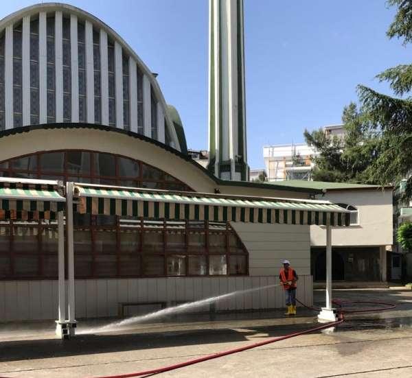 Atakum'da camiler bayrama hazırlandı