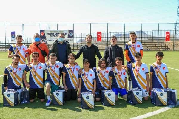 İpekyolu Belediyesinden Yıldız Erkekler Futbol Turnuvası