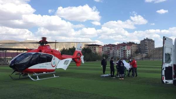Kazada ağır yaralanan kişinin imdadına hava ambulansı yetişti