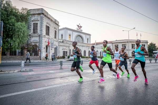 Maratonİzmir heyecanı büyüyor