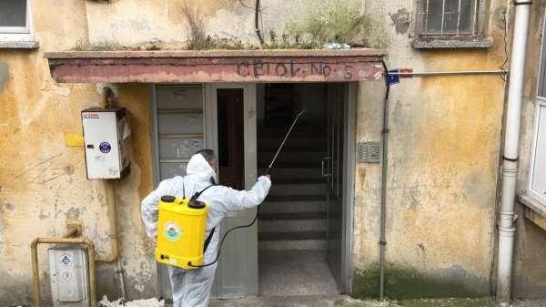 Mobil dezenfeksiyon ekibi köşe bucak virüsle mücadele ediyor