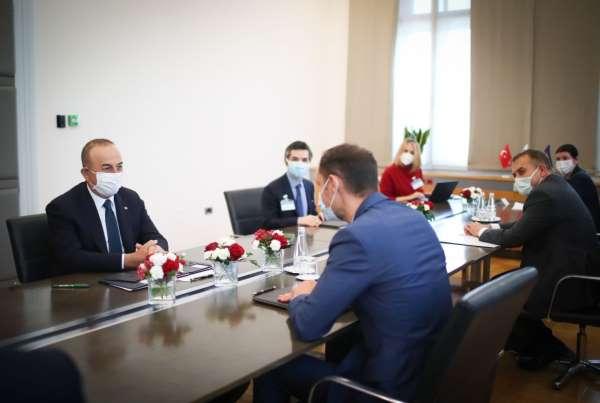 Bakan Çavuşoğlu: İslamofobi, göçmenler ve diğer azınlıklara karşı gerçekleştirilen saldırıları da görüyoruz,