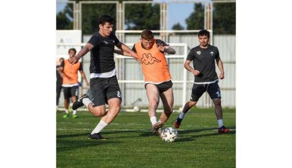 Bursasporda Keçiörengücü maçı hazırlıkları devam ediyor