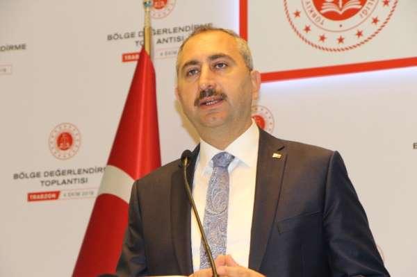Adalet Bakanı Gül: 'Siyasi ve ekonomi istikrar kadar hukuk istikrarı da çok önem