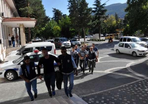 Konya'daki silahlı bıçaklı kavganın 3 şüphelisi adliyede