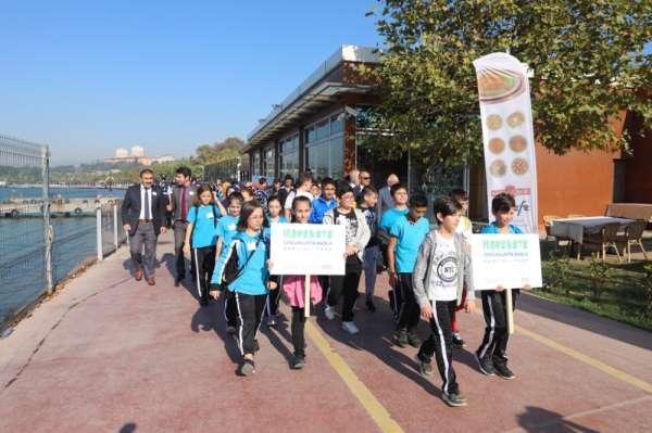 Körfez'de vatandaşlar sağlık için yürüdü
