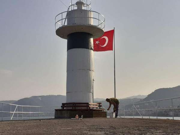 Perşembe Balıkçı barınaklarında Türk bayrakları yenilendi