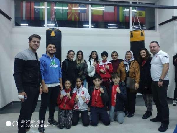 İlkadım Belediyesi sporcularından Dostluk Turnuvası'nda büyük başarı