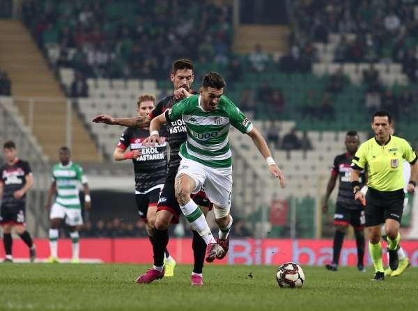 TFF 1. Lig: Bursaspor: 0 - Balıkesirspor: 0 (İlk yarı sonucu)