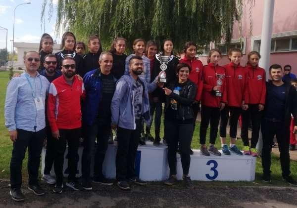 Van Büyükşehir Belediyesi atletizm dalında finallerde