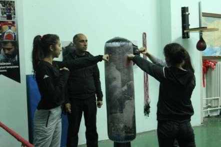 Siirtli kadın boksörler Türkiye Şampiyonasına hazırlanıyor