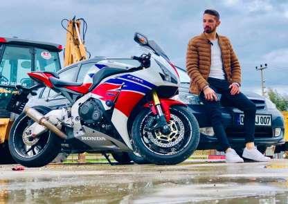 Motosiklet tutkunu genç kazada hayatını kaybetti