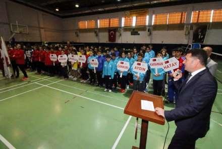 Badminton Anadolu Yıldızlar Ligi Yarı Final Müsabakaları