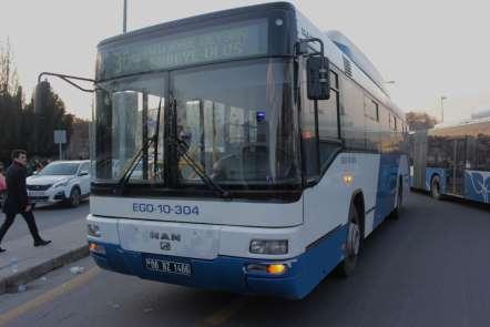 Başkent'te belediye otobüsü kaza yaptı: 4 yaralı