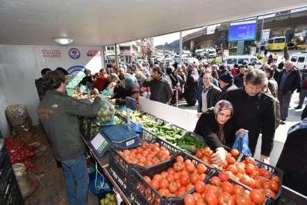 Trabzon'da hafta sonu kurulan tanzim satış yerine ilgi artıyor
