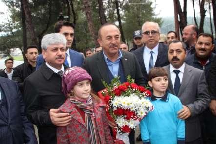 Bakan Çavuşoğlu: 'Fırat'ın doğusundaki o teröristleri de o bölgeden temizleyeceğ