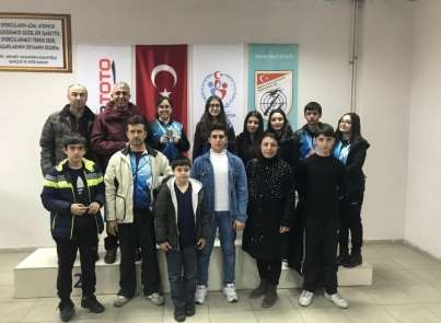 Damla Yılmaz atıcılıkta Türkiye rekoru kırdı