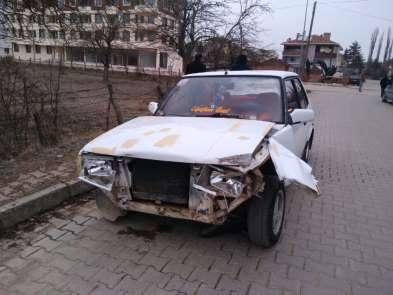 Ehliyetsiz sürücü, kaza yapınca şoka girdi