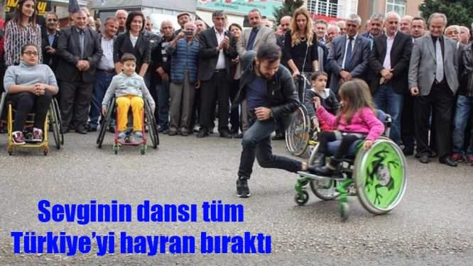 Samsun'daki öğretmen ile bedensel engelli çocuğun dansı Türkiye gündeminde