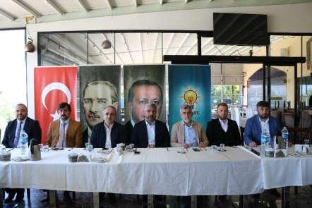 Aksu: 'Siyasette ve belediyecilikte 'kızgın demiri soğutma' politikası uygulanma