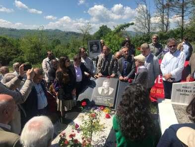 Fikri Sönmez mezarı başında anıldı