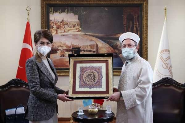 Diyanet İşleri Başkanı Erbaş, Kazakistanlı Bakan Balayevayı kabul etti