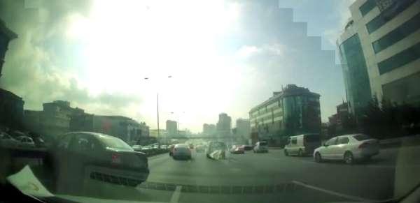 E-5te faciadan dönülen trafik kazası kamerada