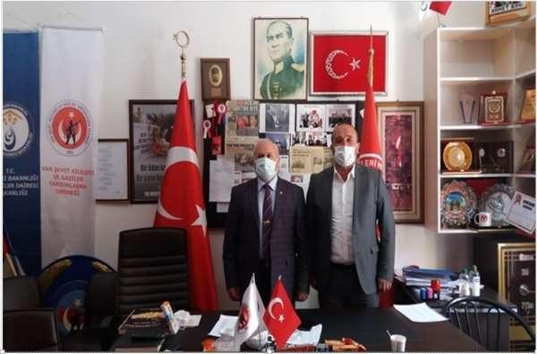 TSK Mehmetçik Vakfından Vandaki şehit yakınları ve gazilere ziyaret