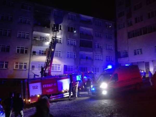 Orduda çıkan yangında iki kişi dumandan etkilendi