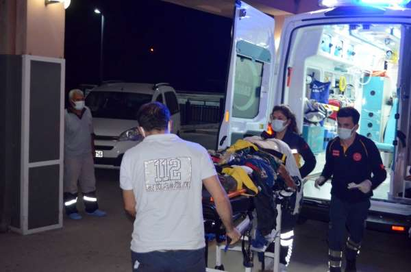 Tarım işçilerini taşıyan minibüs kaza yaptı: 16 yaralı