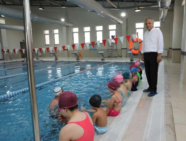Suluovada yarı olimpik yüzme havuzu hizmete girdi