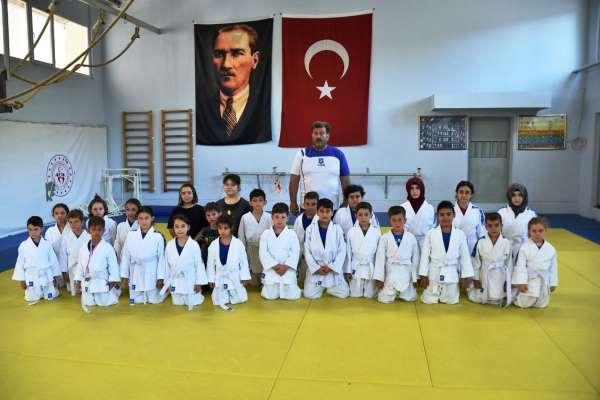 Yunusemre judo yaz kursları başladı