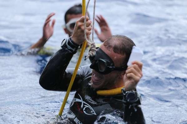 Engelli dalış sporcusu Mustafa Beyaz'dan dünya rekoru