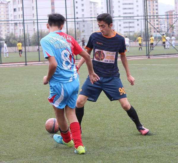 Kayseri U-17 Ligi'nde 6. takım son hafta belli olacak