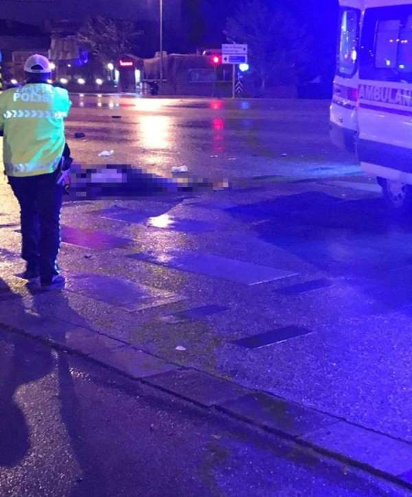 Bisiklet sürücüsünün öldüğü kaza güvenlik kamerasında