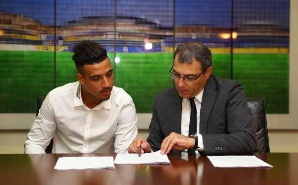 Fenerbahçe Nabil Dirar'ın sözleşmesini 2 yıl uzattı