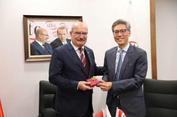 Singapur Büyükelçisi Jonathan Tow'dan ATO'ya ziyaret