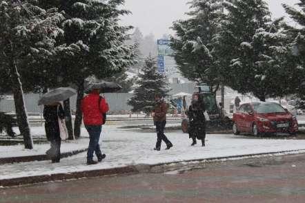 Kocaeli'de kar yağışı tekrar başladı